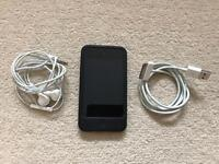 iPod touch (4th generation) 32GB with Dock & Case