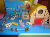 TODDLER'S ALL WOODEN (BOOTS) CHUNKY FARM & ANIMALS