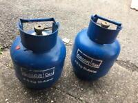 2 gas bottle