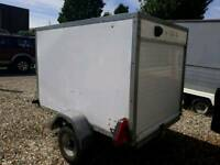 Box enclosed trailer