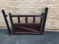 Hard wood gate complete