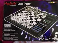 Electronic Chess Trainer - superb interactive way to learn chess - 64 playing levels