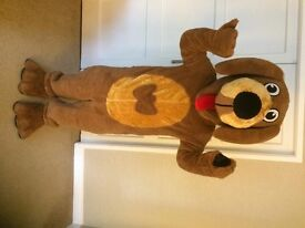 """brand new brown dog mascot top quality lined 5'6"""" to 5'11"""" £149.99 plus £12.50 postage & packing"""
