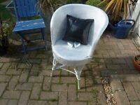 Pretty and very cute bedroom/conservatory chair. Includes cushion and 2 hearts.