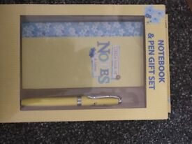 Notepad and pen gift set