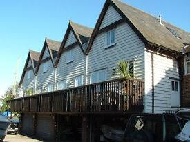 2 Bed Townhouse for rent in Sandwich available mid December