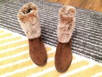 Shuropody Size 7 Suede and Fur Boots