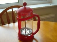 SMALL VIBRANT RED COLOUR CAFETIERE – BRAND NEW/UNUSED.
