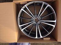 "Toyota Auris/Avensis Alloy Wheels genuine set of 4 x 18 "" brand new in box"