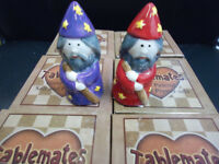 TABLEMATES MAGNETIC IZZY WHIZZY SALT & PEPPER POTS RED PURPLE WIZARDS XMAS SPELL