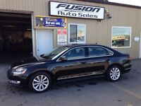 2013 Volkswagen Passat 2.0 TDI Highline--LEATHER/SUEDE--SUNROOF-