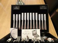 VINERS 58 PIECE CANTEEN OF CUTLERY - 18/0 25 YEAR S/STEEL ENGLISH BEAD DESIGN - SOLID WOOD CANTEEN.