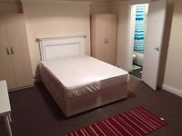 AMAZING DOUBLE ROOM WITH PRIVATE BATHROOM AVAILABLE NOW FOR £240 PW IN GOLDERS GREEN