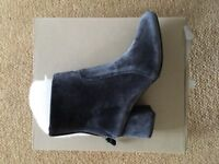 Space grey/blue velvet ankle boots size 5 (Urban Outfitters)