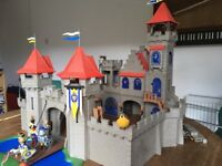 PLAYMOBIL Knights Empire Castle 3268 - plus Figures And Items