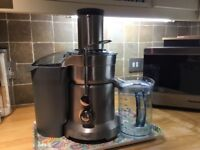 Juicer by Sage. Perfect condition. Does the job beautifully.