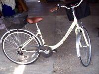 LADIES BICYCLE AS NEW.