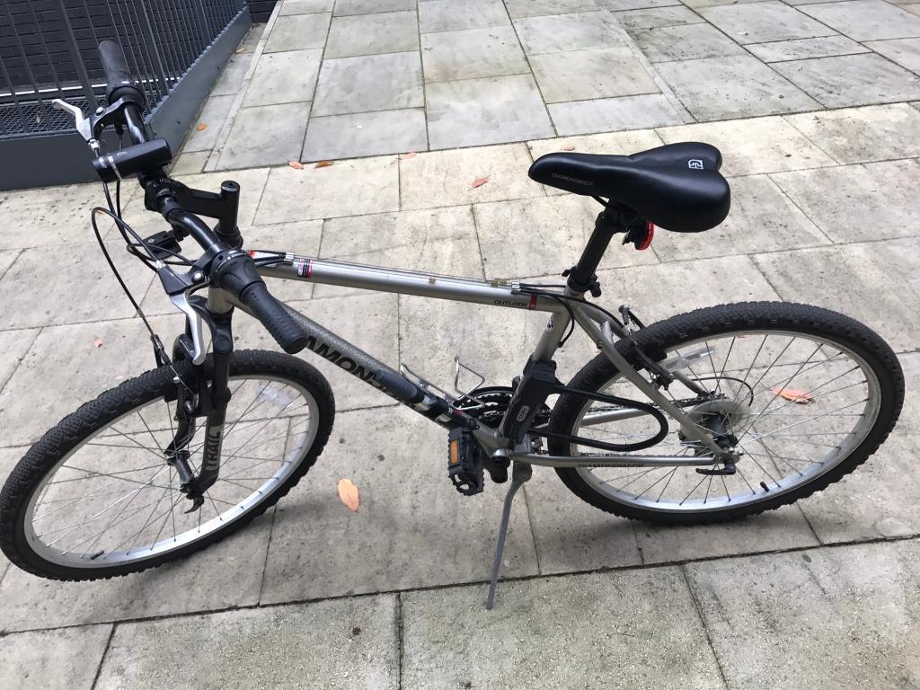 Diamondback Outlook 18-speed mountain bicycle- full city kit