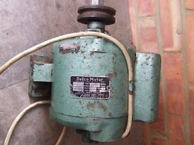 DELCO ELECTRIC MOTOR 1400 RPM 1/16 HP single phase