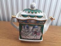 Excellent condition Sadler Teapot 'Hamlet'
