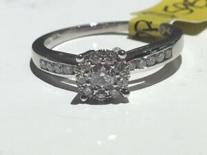 #161 10K LADIES WHITE GOLD SPARKLY DIAMOND ENGAGEMENT RING TOTALING 0.34CT *SIZE 6* APPRAISED AT $1750.00