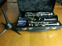 Clarinet yamaha ycl 34 wooden with stand, reads
