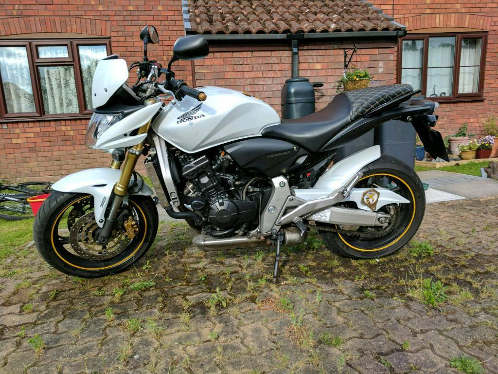 honda hornet 600 2008 white in romsey hampshire gumtree. Black Bedroom Furniture Sets. Home Design Ideas