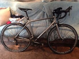 "Mens pinacle dolomite road bike. Frame: 54cm Wheels: 26""."