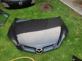 Mazda 3 bonet