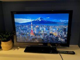 Samsung 32 inch / 32'' LCD Full HD TV 1080p (3 HDMI - Black)