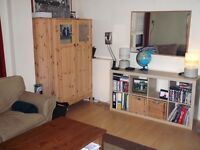 Excellent 1 bed flat with en suite; just 2 mins walk from Byres Rd!