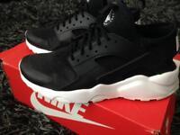 Nike huarache black like new