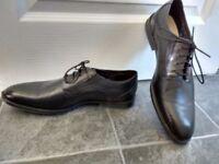 Men's Clarks black leather shoes, 9.5