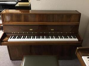 Samick S-108S Piano