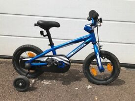 Child's Specialized bike with stabilisers
