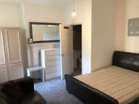 3 Bedroom Flat to rent in excellent location in Balham close to Balham Tube/Train station