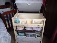 VIB baby changing station with bath and plenty of storage