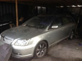 2005 TOYOTA AVENSIS 2.0 D4D MANUAL ESTATE SILVER BREAKING FOR PARTS
