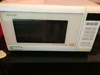 SHARP MICROWAVE BUILT IN GRILL