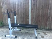 Weight bench (foldable) with 10kg barbell, 67.5kg in different weight increments. Dumbbell bars incl
