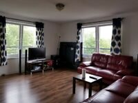 3 bedroom furnished flat to rent, Comelypark Street close to Bellgrove Station, G31 Available June