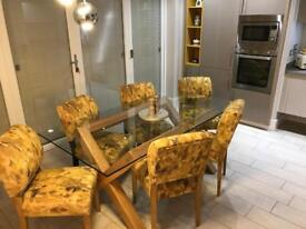 Stunning table n chairs must go