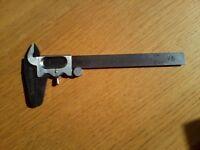 Vernier gauge calipers, 5 inch maximum