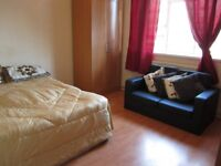 NICE DOUBLE ROOM AVAILABLE NOW IN MILE END/STEPNEY
