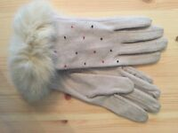 New Wool Cream Gloves - REAL FUR and bead detailing