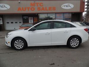 2011 Chevrolet Cruze LS, FUEL EFFICIENT