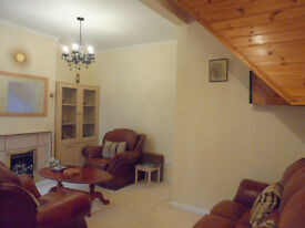 """""""REDUCED"""" 3 BED HOUSE, FURNISHED, GARDEN, NEAR SOUTH WIMBLEDON / COLLIERS WOOD UNDERGROUND, SW19"""