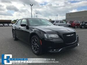 2017 Chrysler 300 S **AWD, CAMERA, BANCS CHAUFFANT + WOW**