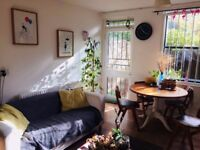 Cosy short-term let on Broadway Market! -- Available from the 10th of DEC until the 4th of JAN