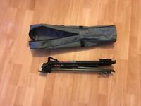 Guardsman GS202 tripod and carry case